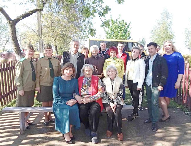 У вёскі Лідскага раёна завіталі з канцэртамі ваенныя агітбрыгады