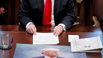 """Трамп зноў абыграў слоган з """"Гульні тронаў"""". На гэты раз гаворка аб сцяне на мяжы з Мексікай"""