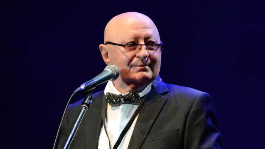 Сузаснавальнік «Песняроў» выпусціў аўтабіяграфію
